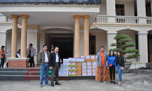 Cán bộ đoàn viên cty Hapulico tham gia đoàn cứu trợ