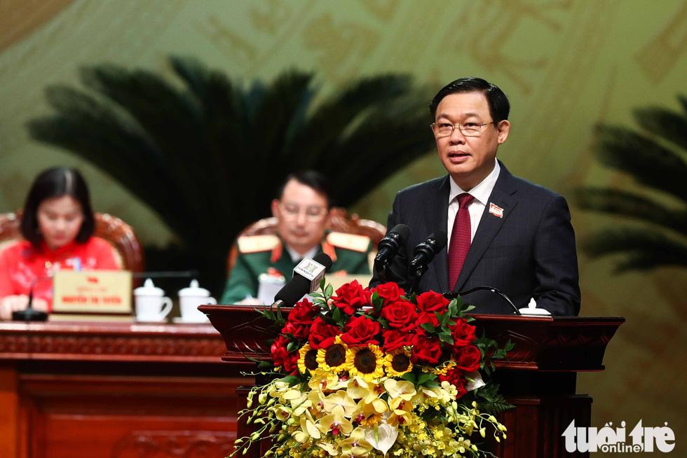 Bí thư Thành ủy Hà Nội Vương Đình Huệ phát biểu khai mạc đại hội - Ảnh: NGUYỄN KHÁNH