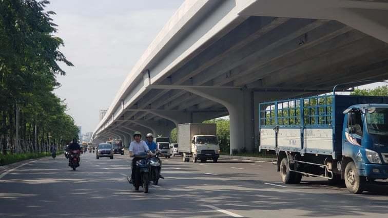 Đoạn tuyến cầu cạn Mai Dịch - Nam Thăng Long dài hơn 5,3 km sẽ có 3 đường nhánh lên xuống đặt tại 3 vị trí nút giao thông có lưu lượng phương tiện cao